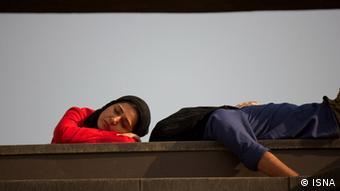 صحنهای از فیلم بحثبرانگیز عصبانی نیستم، ساخته رضا درمیشیان