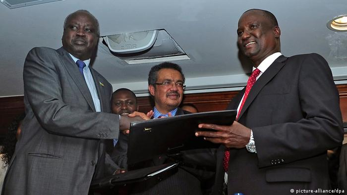 Unterzeichnung des Waffenstillstandsabkommens für Südsudan in Addis Abeba (Foto: dpa)