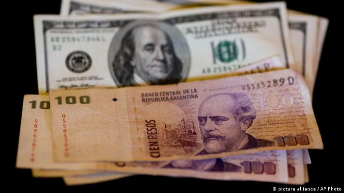 Argentinien wertet den Peso ab (picture alliance / AP Photo)