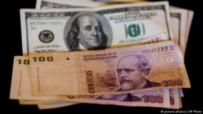 Argentinien Pesos and US dollars