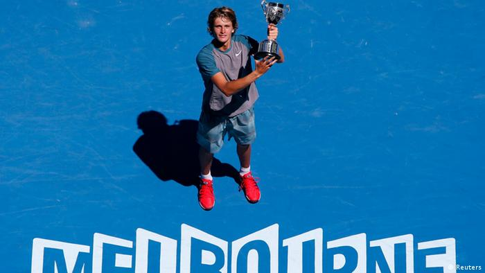Australian Junior Open 2014 Alexander Zverev lifts trophy