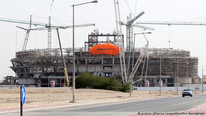 Eine Baustelle für die FIFA-WM in Katar (Foto: picture alliance / augenklick/firo Sportphoto)