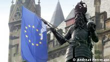 Karl der Große – ein europäisches Vermächtnis Karlsstatue vor dem Aachener Rathaus Foto: Andreas Herrmann ***NUR ZUR BERICHTERSTATTUNG ÜBER DIE AUSSTELLUNG+++++
