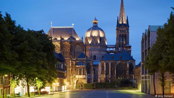bieten eine große Auswahl an beste Qualität hübsch und bunt Discover Aachen, Charlemagne′s capital city   DW Travel   DW ...