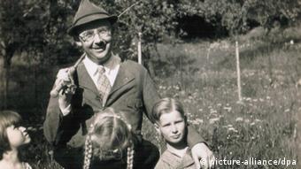Ο Χίμλερ με την κόρη του Γκούντρουν. Από ιστορικό αρχείο στο Ισραήλ