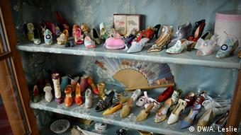 Princess Heide's ceramic shoe collection at Burg Namedy
