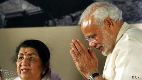 Lata Mangeshkar Sängerin aus Indien mit Narendra Modi