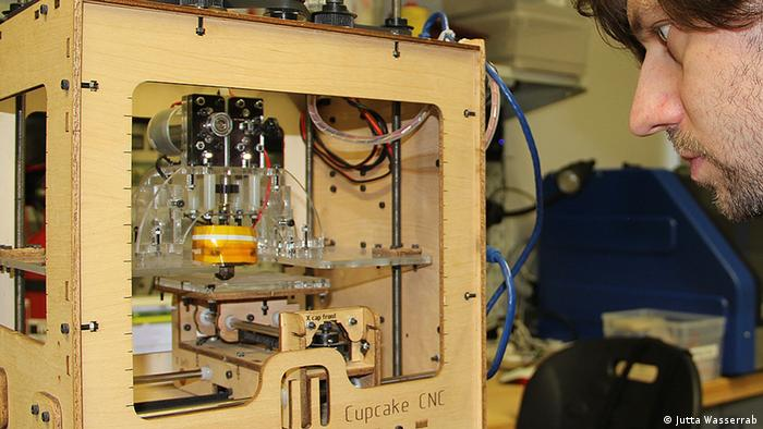 René Bohne 3D Drucker Fab Lab in Aachen Porträt
