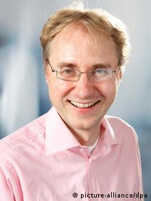 Portrait Kai Arzheimer political scientist at the Uni Mainz Photo: picture-alliance/dpa