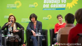 Die drei Grünen-Spitzenkandidaten Monica Frassoni, Rebecca Harms und Ska Keller bei einer Diskussionsrunde der Grünen