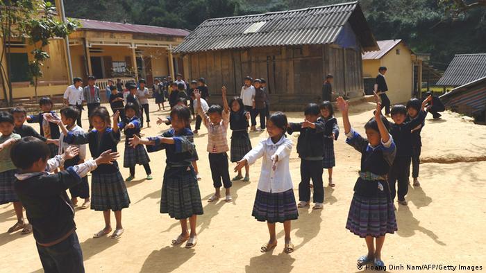 Bildergalerie Weltbildungsbericht Schulkinder Vietnam Archiv 2012 (Hoang Dinh Nam/AFP/Getty Images)