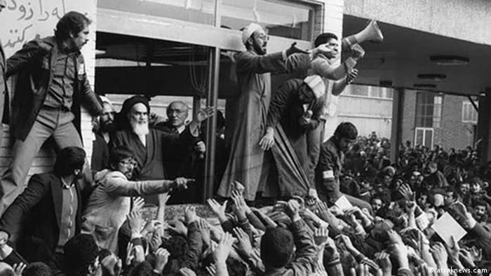 Khomeini bei sener Rede auf dem Teheraner Zentralfriedhof am 1.2.1979 (Foto:araknews.com)