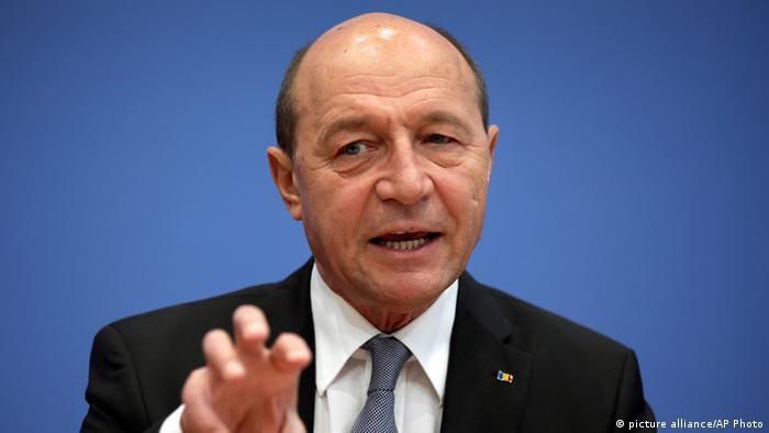 Parlament senator presedinte Traian Basescu