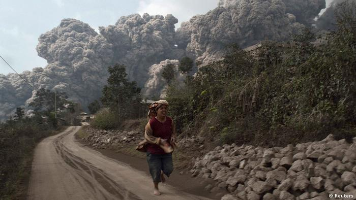 tote und verletzte bei vulkanausbruch auf sumatra | aktuell asien