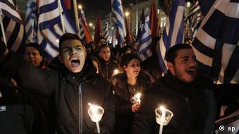 Neonazi-Partei Goldene Morgenröte demonstriert in Athen (ap)