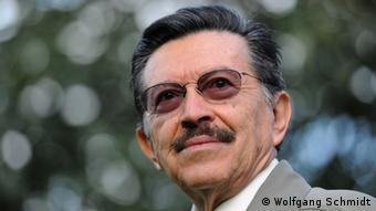 El abogado y educador paraguayo Martín Almada recibió el Premio Nobel Alternativo de la Paz en 2002.
