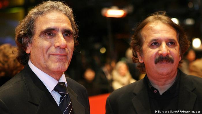 در سال ۲۰۰۸ حضور سینما و سینماگران ایرانی در برلیناله پررنگ بود. آواز گنجشکها، ساختهی مجید مجیدی از جمله فیلمهای شرکتکننده در آن دوره از جشنواره سینمایی برلین بود که در بخش مسابقه حضور یافت. تصویر: مجید مجیدی (راست) در کنار رضا ناجی، بازیگر نقش اول مرد در فیلم آواز گنجشکها در برلین.