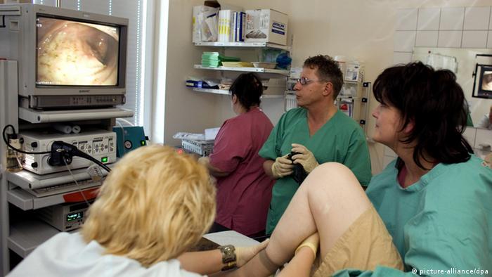 تنظير القولون يساعد على الكشف المبكر عن السرطان
