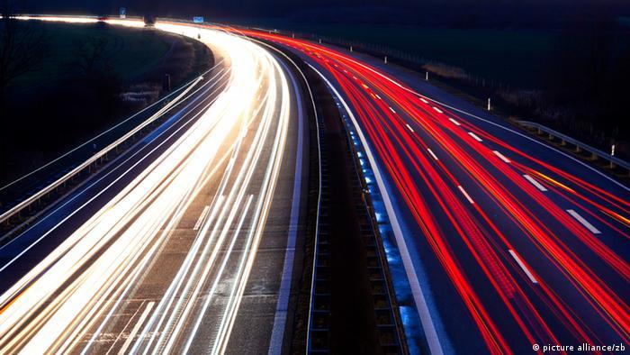 Autobahn A13 am Abend