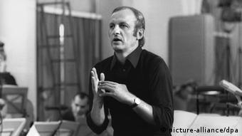 Gerd Albrecht, pictured rehearsingin 1973 (c) picture-alliance/DPA
