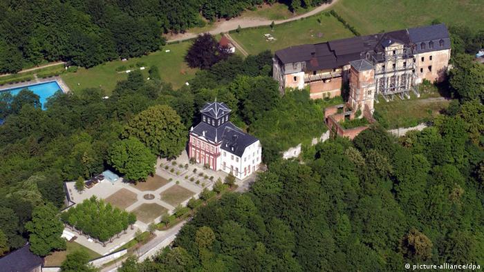 Замок Шварцбург с воздуха