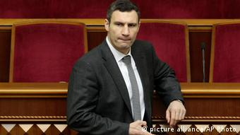 Vitali Klitschko in Ukraine's parliament (C) AP Photo/Sergei Chuzavkov