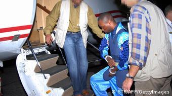 Germain Katanga Auslieferung nach Den Haag. Foto: STR/AFP/Getty Images