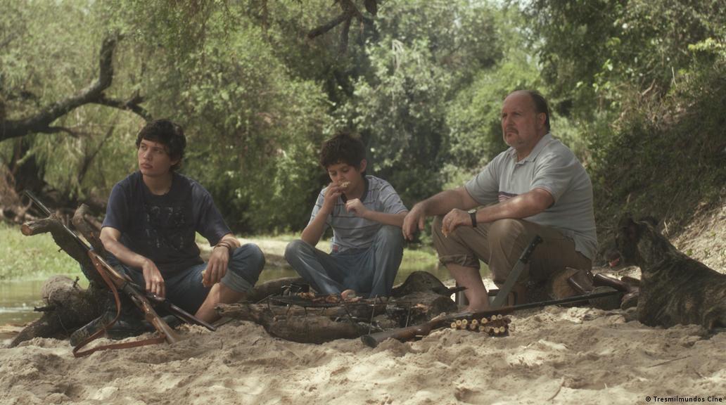 نمایی از فیلم سومین کرانه رودخانه