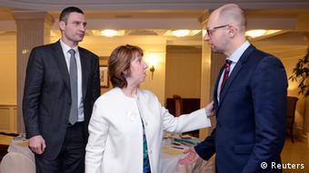 Catherine Ashton mit Klitschko und Yatsenyuk in Kiew (Foto: Reuters)