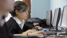 Türkei Instanbul Schülerin Internet Berufsschule Symbolbild