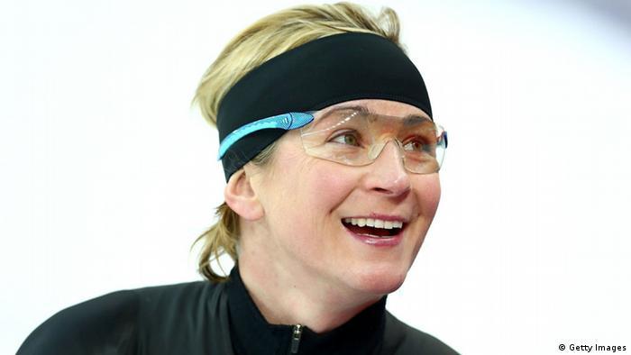Olympia Deutsche Fahnenträger Claudia Pechstein (Getty Images)