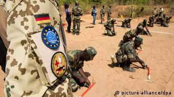 Deutsche Militärausbilder trainieren Soldaten in Mali, Foto: dpa