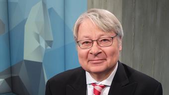 Немецкий политолог Ханс-Хеннинг Шредер