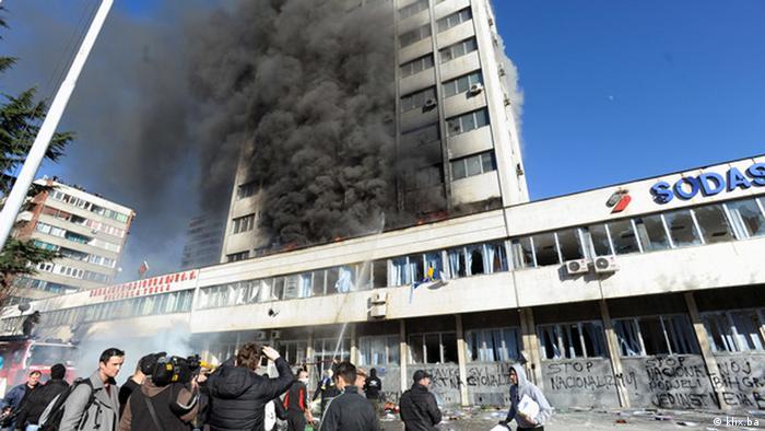 Demonstrationen gegen die Regierung in Tuzla (klix.ba)