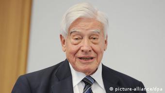 Christian Schwarz-Schilling: EU mora napustiti status posmatrača