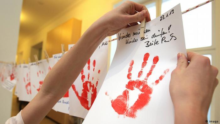 Red Hand Day Aktion Kindersoldaten Archiv 2013