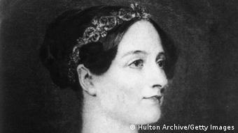 Η Άντα Λάβλεϊς γεννήθηκε στις 10 Δεκεμβρίου του 1815, ήταν καρπός του εφήμερου γάμου του άγγλου ποιητή και σημαντικού φιλέλληνα Λόρδου Βύρωνα με την βαρώνη Άννα Μίλμπανκ