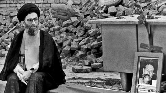 Ali Khamenei (e.) também foi presidente do Irã entre 1981 e 1989