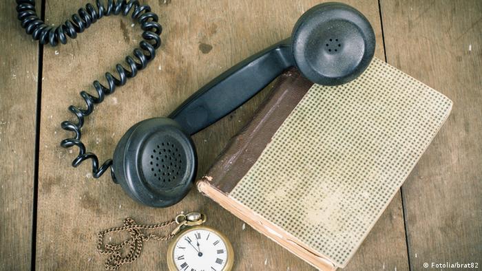 Telefon und Notizblock (Fotolia/brat82)