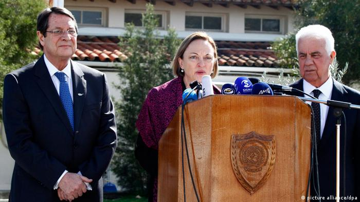 Nicos Anastasiades (left), Lisa Buttenheim (center), Dervis Eroglu (right) (photo: EPA/KATIA CHRISTODOULOU)