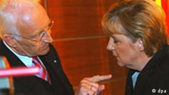 Bildgalerie Nach den Wahlen Union sucht Sündenbock Merkel Stoiber p178