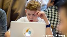 Deutschland Berlin Bundesfamilienministerin Manuela Schwesig besucht Safer Internet Day