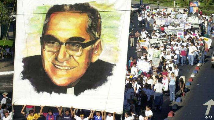 Gedenken an Erzbischof Oscar Arnulfo Romero (Foto: AP)