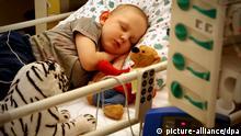 Kinderkrebsstation Leipzig Universität Krebs Kind Krankenbett