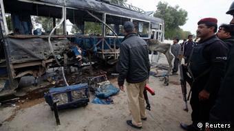 Pakistan Bus Anschlag Selbstmordanschlag Terror Karachi
