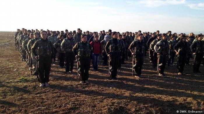 YPG troops