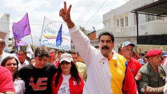 Durante los enfrentamientos, el presidente Maduro asistía a un acto de celebración del Día de la Juventud.