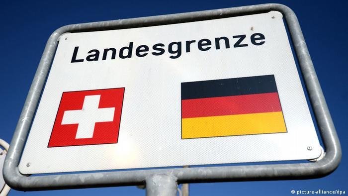 Пограничный щит между Швейцарией и ФРГ