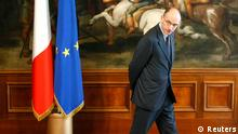 ARCHIVBILD Italy's Prime Minister Enrico Letta walks before a meeting at Chigi Palace in Rome in this May 2, 2013 file photo. Letta said he would tender his resignation on February 14, 2014 opening the way for centre-left leader Matteo Renzi to take the helm of Italy's third government in less than a year. REUTERS/Tony Gentile/Files (ITALY - Tags: POLITICS)