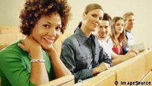 در آلمان ۳۷ کالج با سه هزار متقاضی خارجی وجود دارد